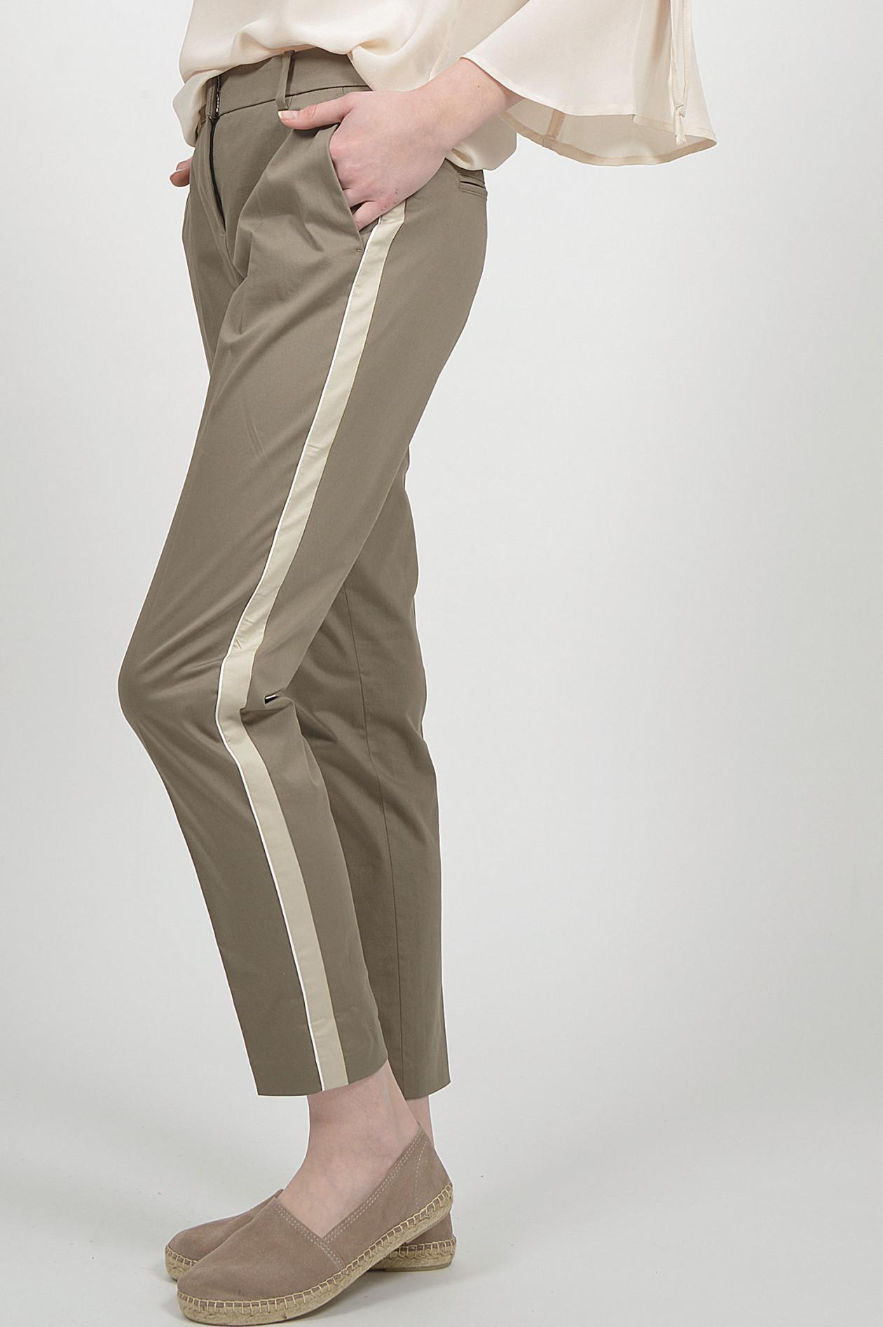 schön und charmant klassisch große Vielfalt Modelle Hose mit Galonstreifen in Braun/Beige
