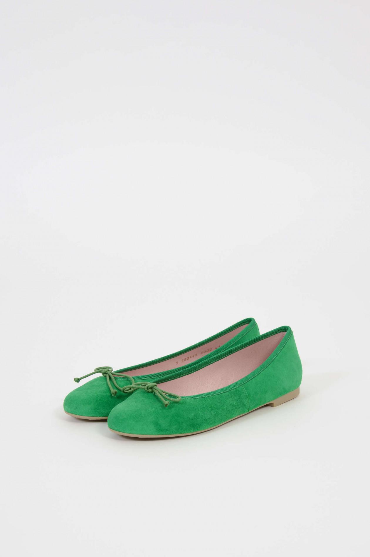 Ballerinas aus Veloursleder in Grün