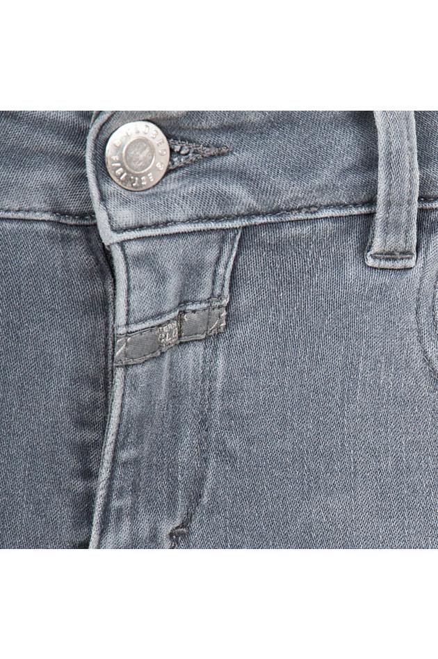 Closed Jeans in Grau