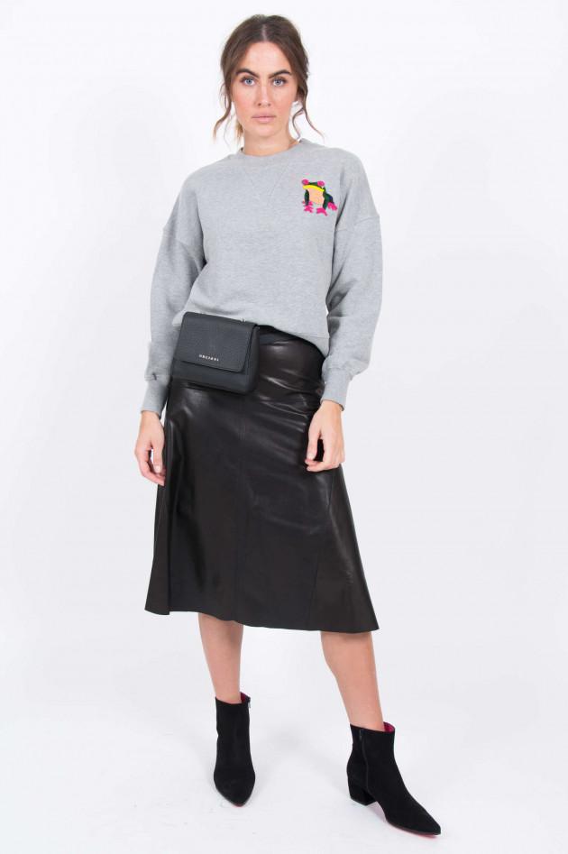 Essentiel Sweater mit Froschaufnäher in Grau