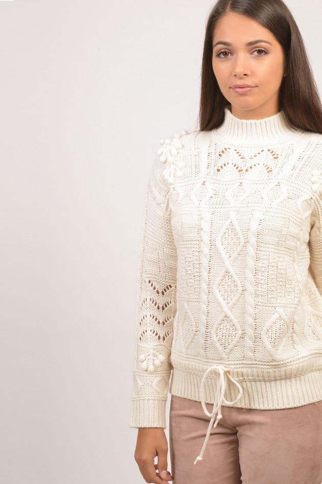 Essentiel Pullover mit Pompons in Weiß