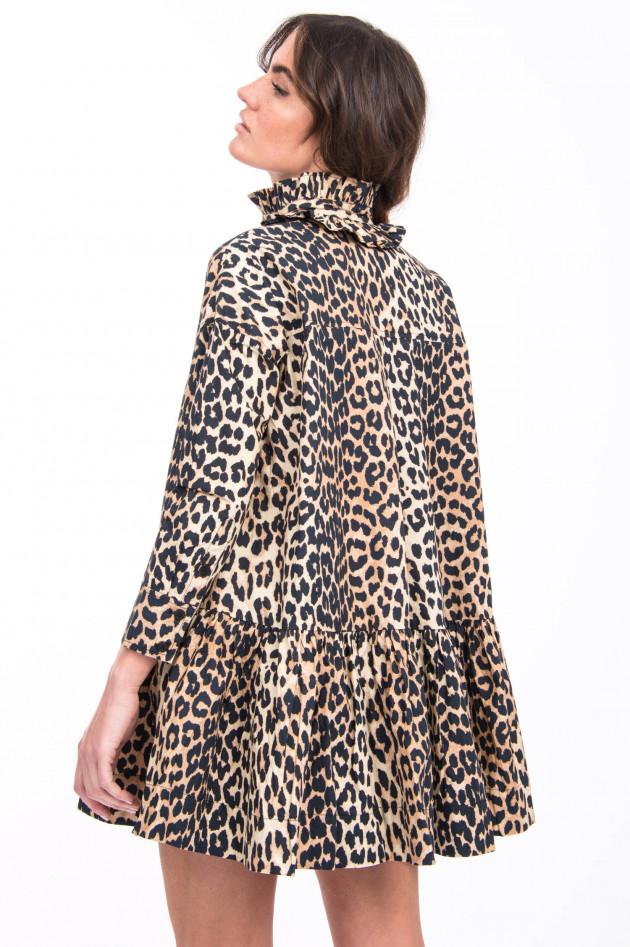 Ganni Kleid mit lieblichen Details im Leo-Design