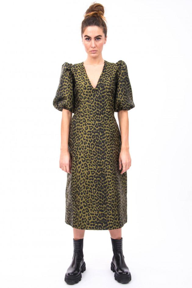 Ganni Kleid mit schmaler Silhouette in Oliv/Schwarz