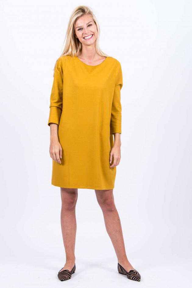 Harris Wharf London Kleid aus Schurwolle in Gelb