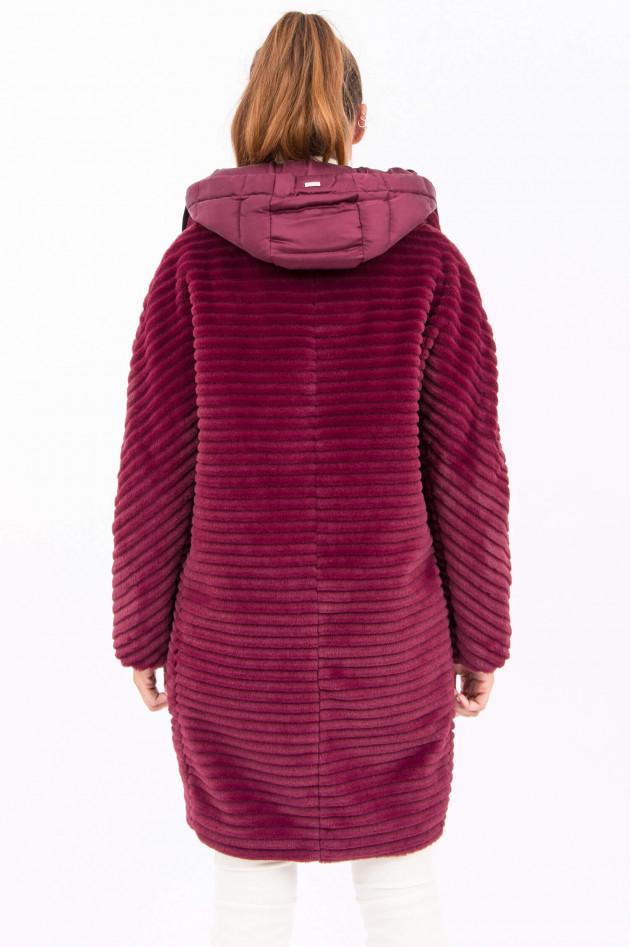 Herno Mantel aus Fake Fur in Weinrot