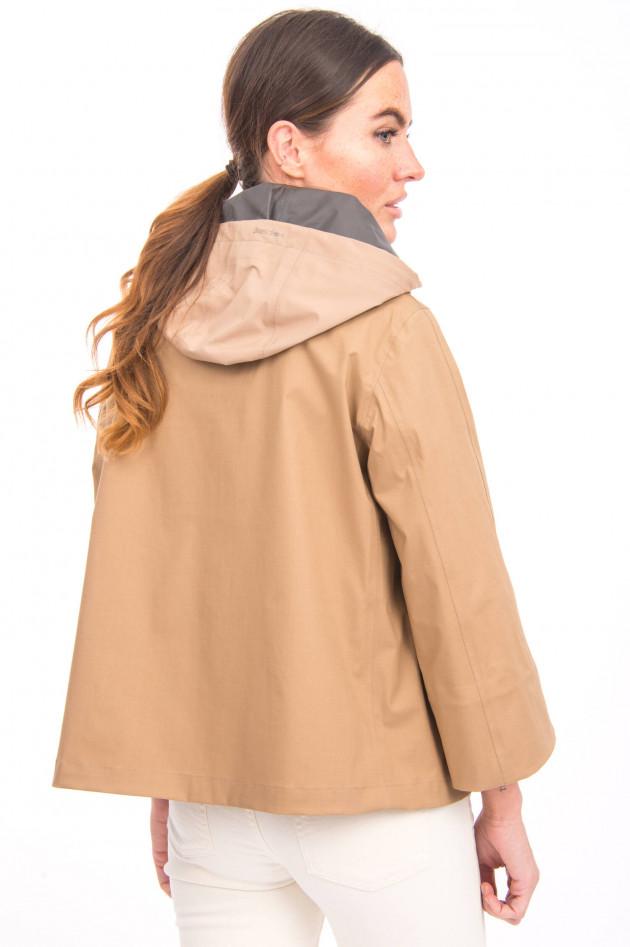 Herno Ausgestellte Jacke in Camel