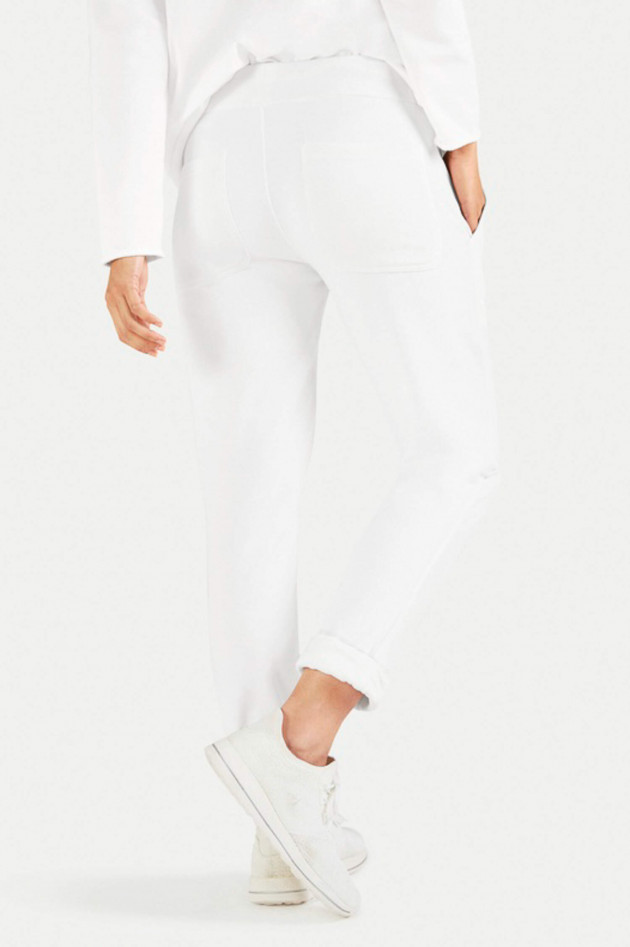 Juvia Relaxed Fit Sweatpants in Weiß