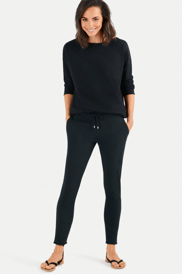 Juvia Slim Fit Sweatpants in Schwarz