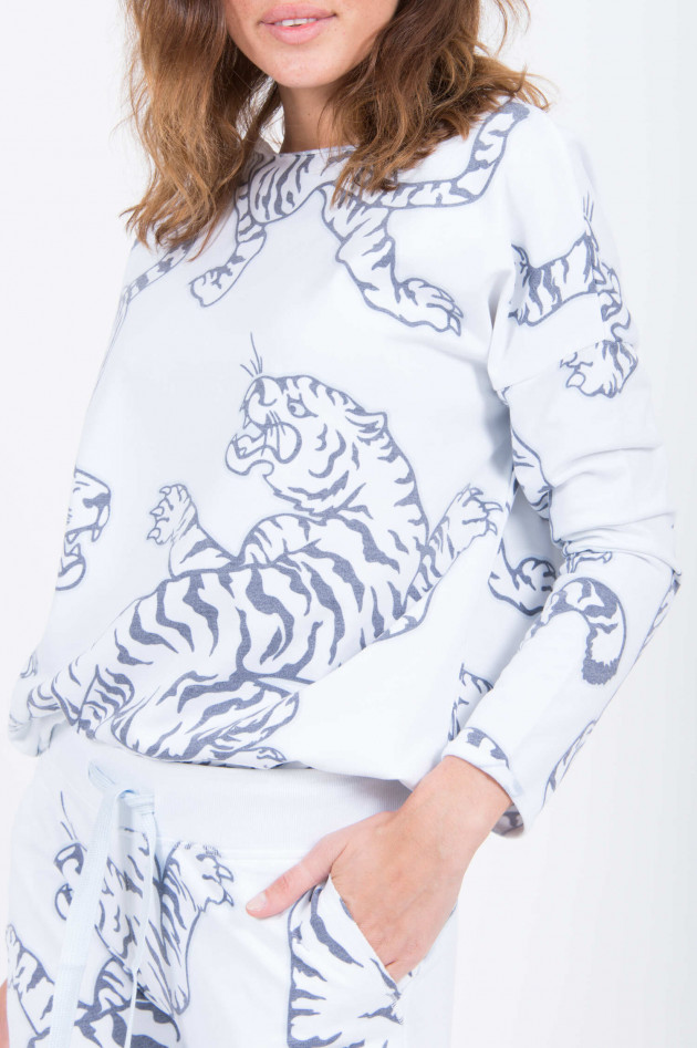 Juvia Sweater mit Tigerdruck in Weiß
