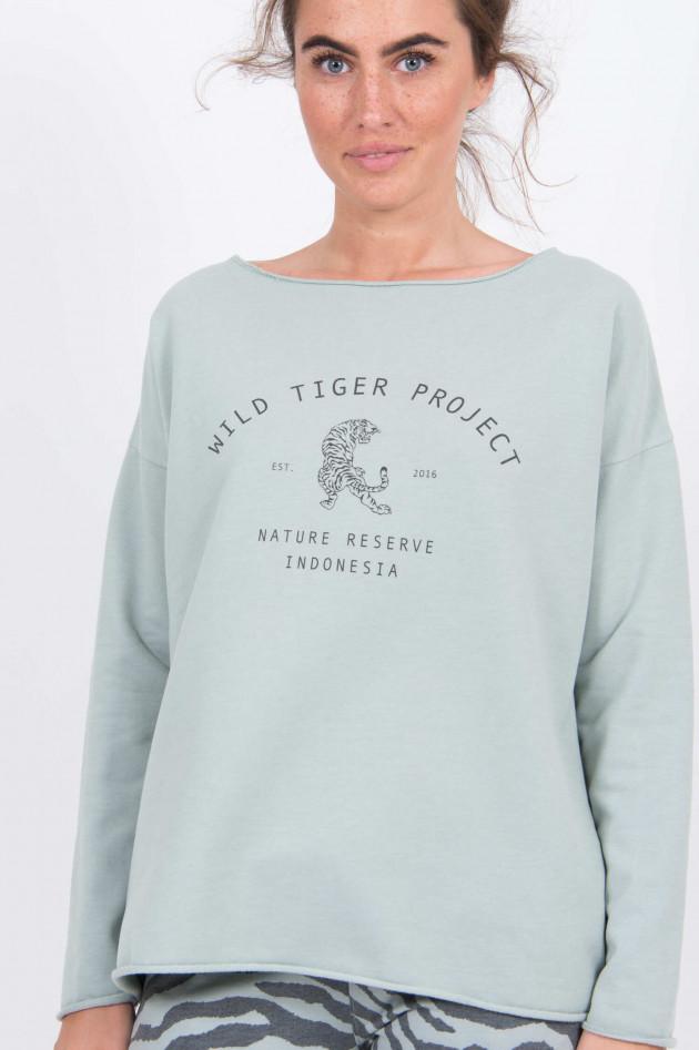 Juvia Sweatshirt WILD TIGER in Salbei