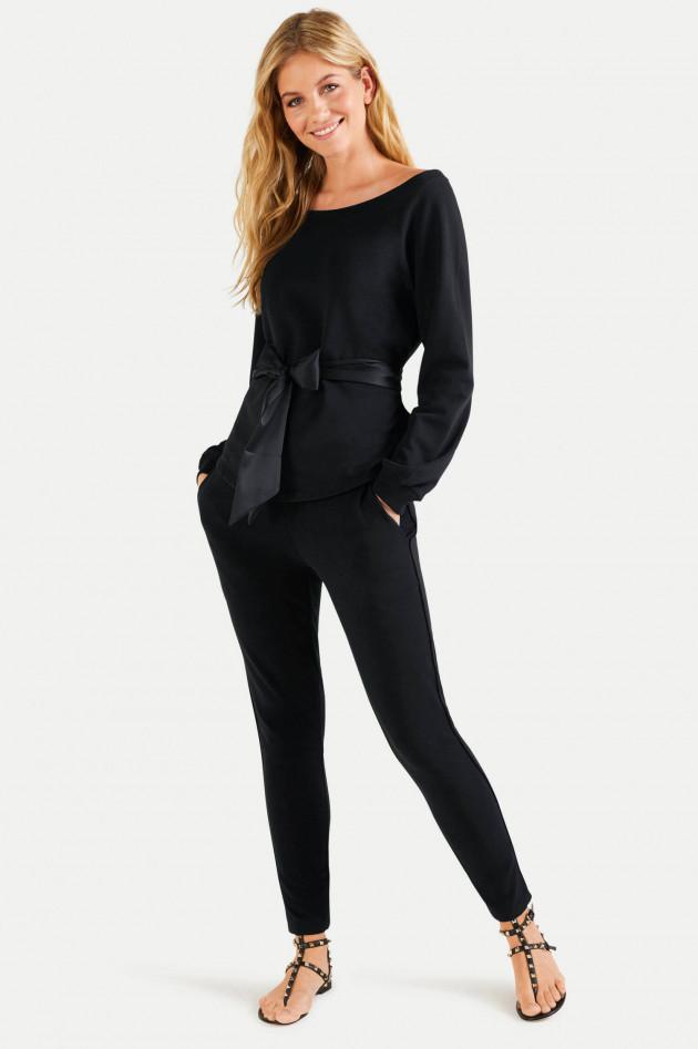 Juvia Sweatshirt mit Satinband in Schwarz