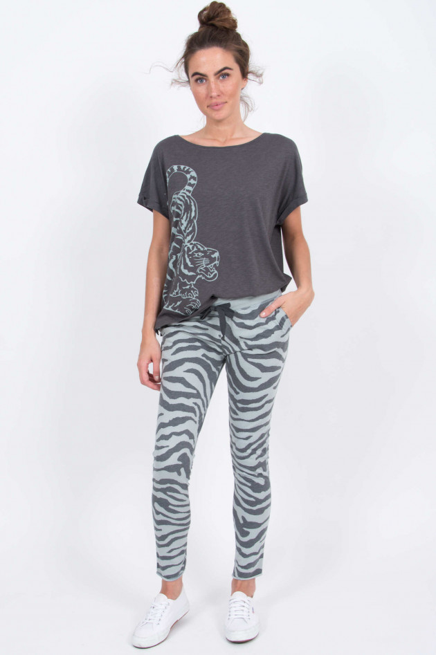 Juvia T-Shirt mit Tigerprint in Anthrazit