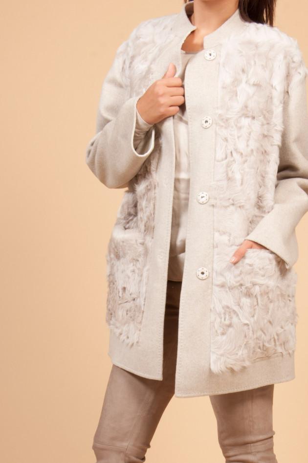 37721d1c7db5 Manzoni 24 Mantel aus persischem Lammfell in Beige