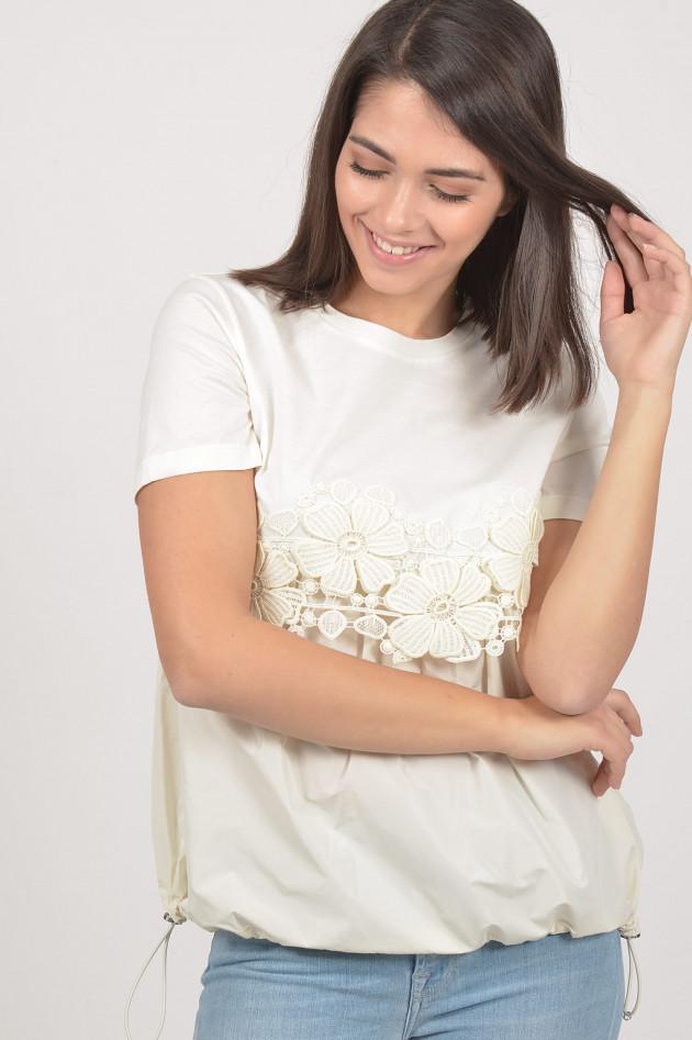 Moncler T-Shirt mit Stickereien in Weiß