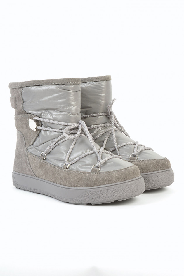 Boots in Grau