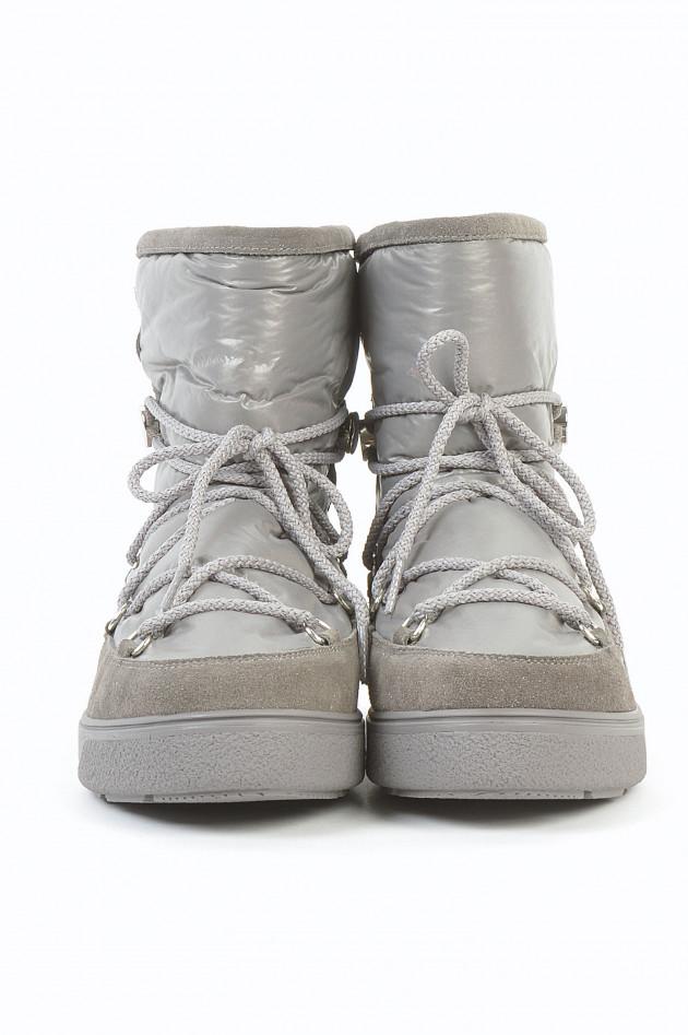 Boots in Grau