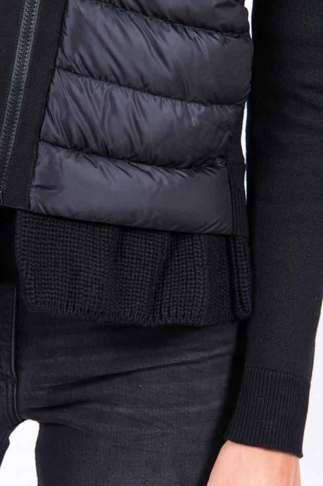 Moncler Strickjacke mit Rüschen in Schwarz