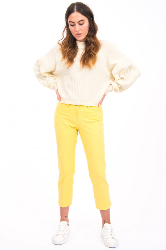 Pamela Henson Hose LORCA in Gelb