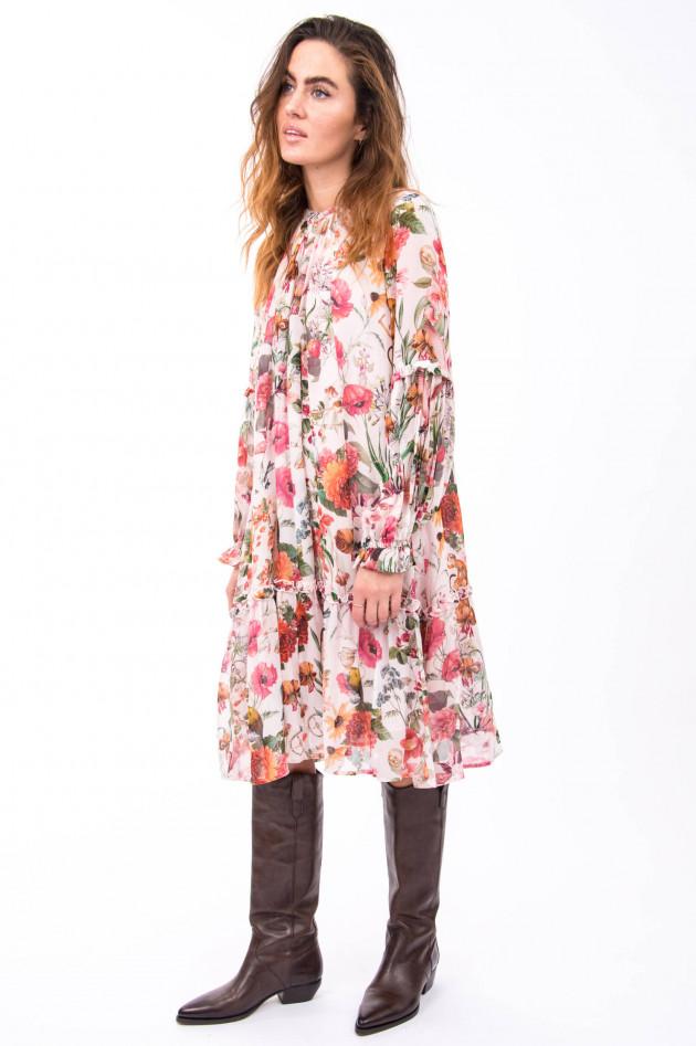 Princess goes Hollywood Verspieltes Kleid mit Floralem Print in Rosa