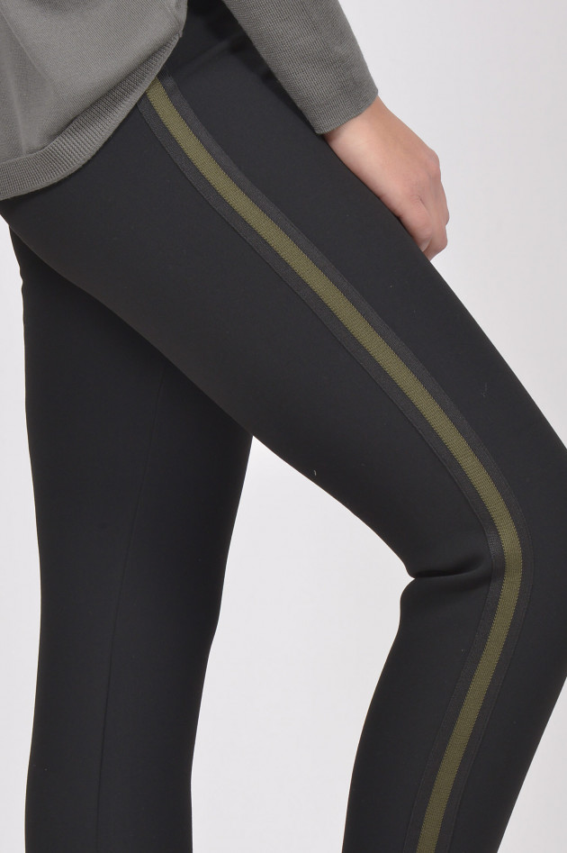 gr ner online shop roqa jogginghose mit seitenstreifen in schwarz oliv. Black Bedroom Furniture Sets. Home Design Ideas