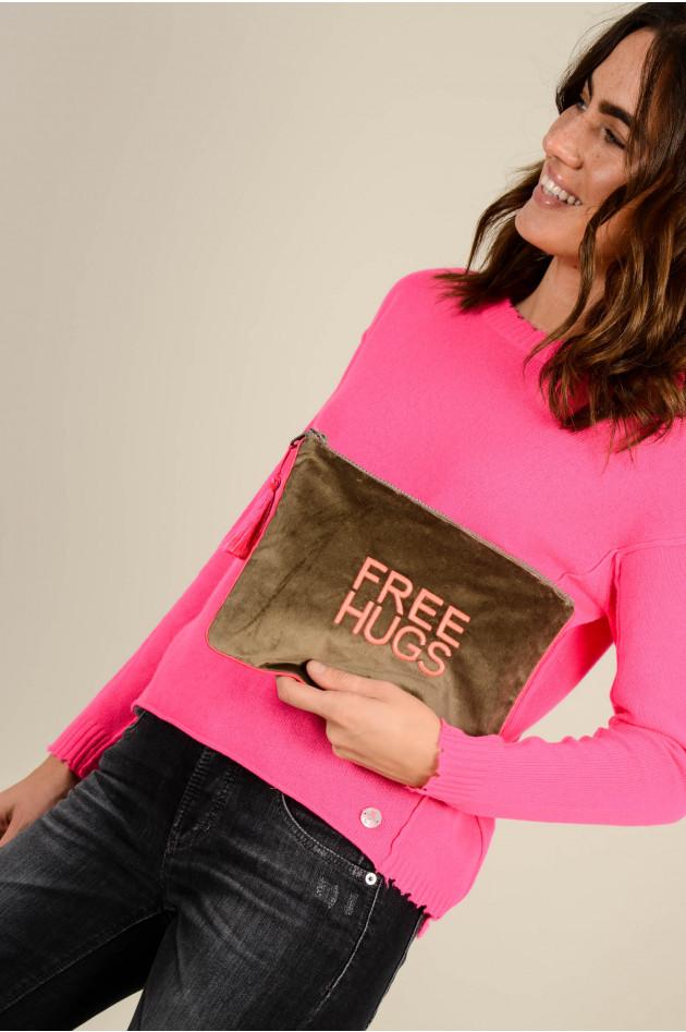 Sorbet Clutch FREE HUGS aus Baumwollsamt in Braun/Neonpink
