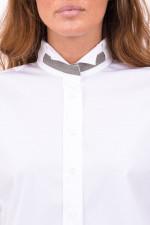 Bluse mit Schmuckstein-Detail in Weiß