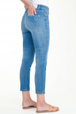 Superstretch Jeans PIPER SHORT in Hellblau
