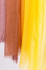 Tuch GINEVRA mit Farbverlauf in Camel/Gelb