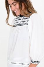 Bluse mit gesmokten Details in Weiß/Schwarz