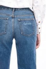Jeans aus strukturiertem Denim in Mittelblau