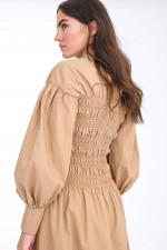 Maxi-Kleid mit gesmoktem Oberteil in Camel