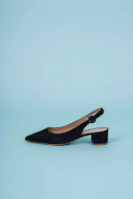 Slingpumps in Navy