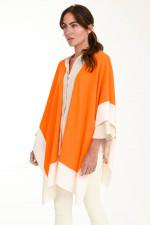Cape aus Woll-Kaschmir-Mix in Orange/Weiß