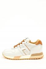 Sneaker in Perlmut