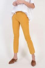 Lederhose in Gelb