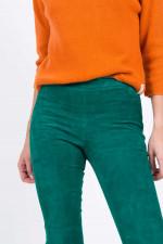 Velourslederhose mit Kick in Grün