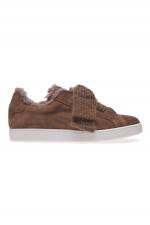 Sneakers aus Veloursleder in Braun/Taupe