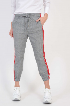 Hose mit Seitenstreifen in Schwarz/Weiß gemustert