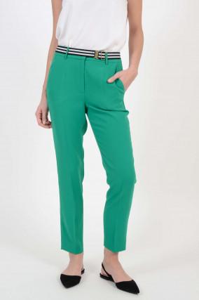 Hose mit Gürtel in Grün