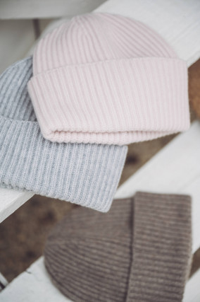 Mütze aus Cariaggi Cashmere in Rosé
