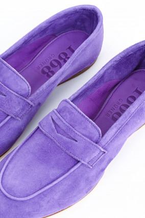 Loafer aus Veloursleder in Violett