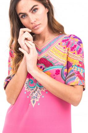 Kleid im Ethno-Stil in Rosa
