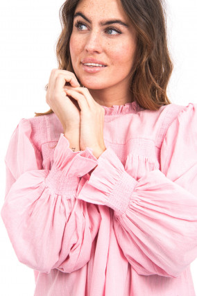 Bluse mit gesmokten Details in Rosa