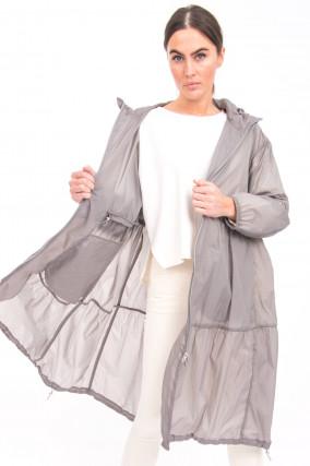 Leichter Mantel mit Volantbahnen in Grau
