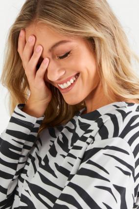 Sweater im Zebra-Design in Hellgrau/Schwarz