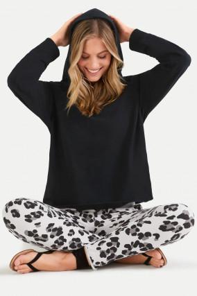 Sweater mit Kapuze in Schwarz