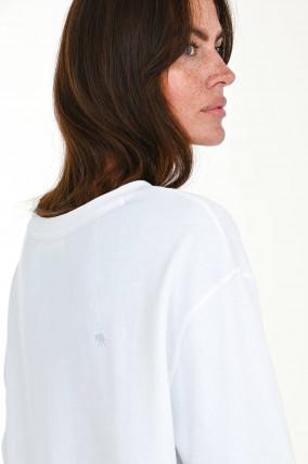 Sweater in lieblichem Design in Weiß