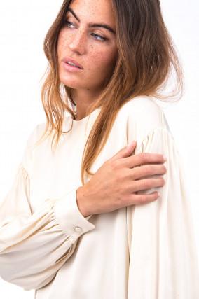 Blusenshirt mit voluminösen Ärmeln in Vanille