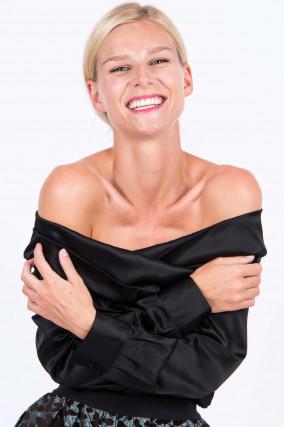 Carmen-Seidenbluse in Schwarz