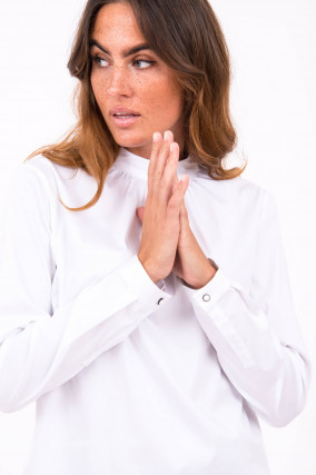 Bluse mit dekorativem Kragen in Weiß